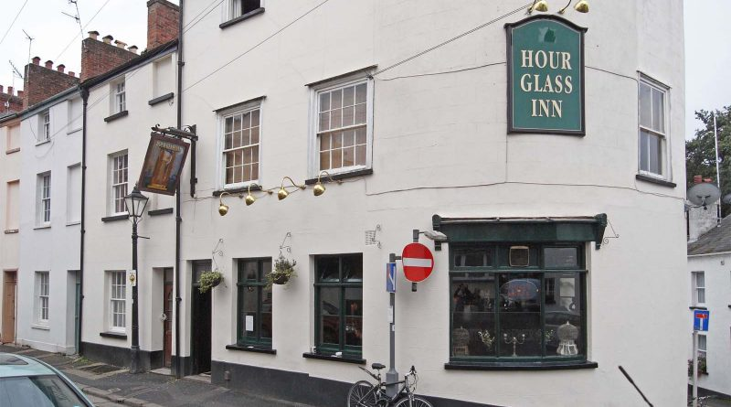 Hourglass Inn - Exeter
